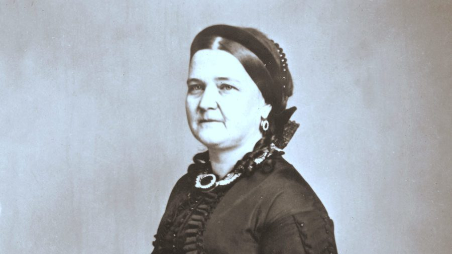 Mary Todd Lincoln: Managing Home, Husband, and Children 1